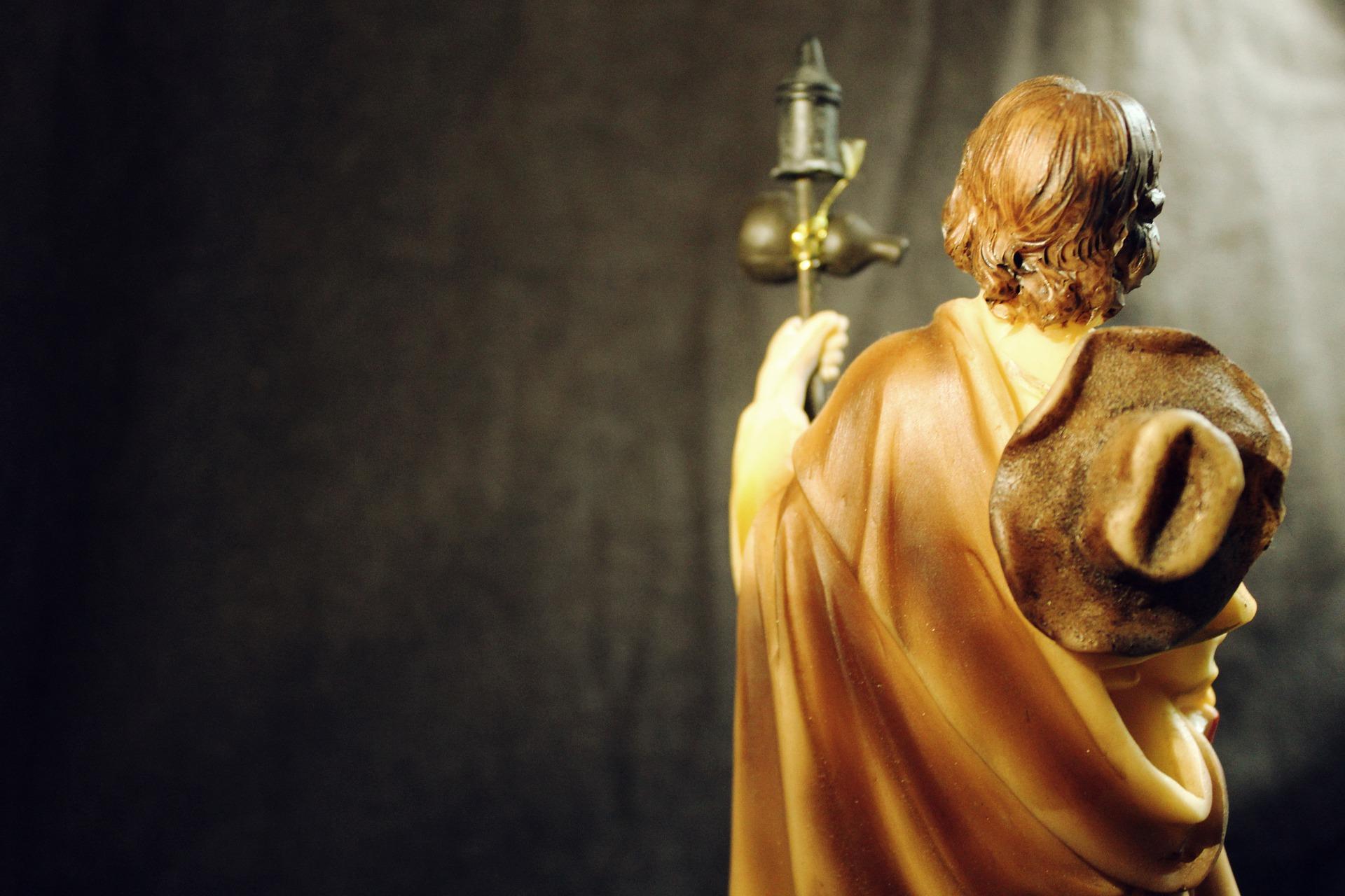 одиночество мужчины статуя апостол